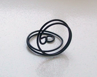 Small Placecard or Table Number Holder - Black Wire - Place Card Seating - Swirl (set of 10)