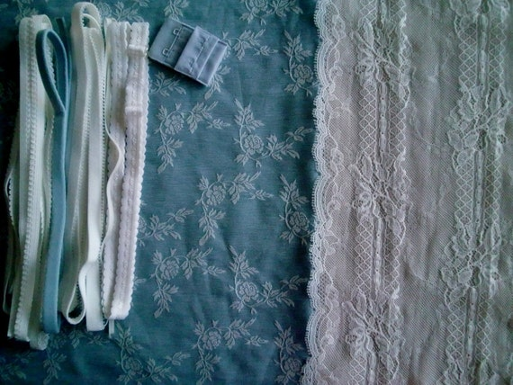 COTTON Fabric and notions Blue & Ivory Eyelash for 1 BRA and BRIEF by Merckwaerdigh