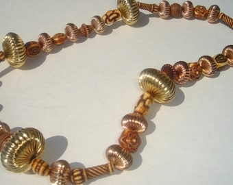 Necklace chunky copper gold tone large bead eclectic bead design toggle closure necklace