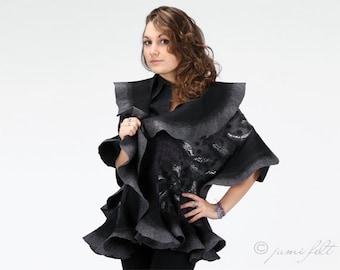 Felted wavy ruffled shawl - Grey fashion - Handmade wool and silk