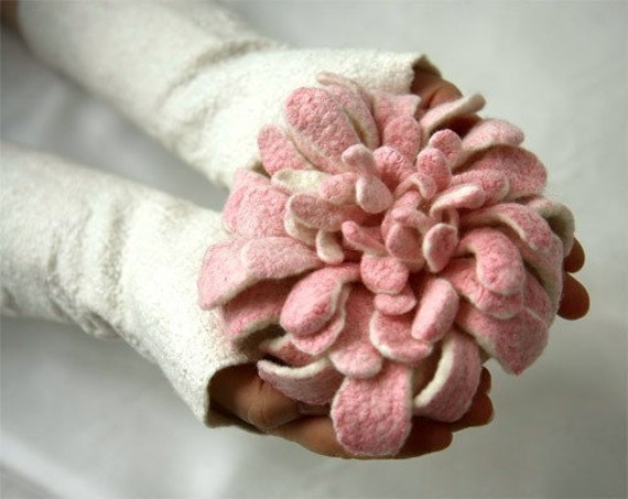 Hand felted Dahlia Flower Brooch - White and Pink