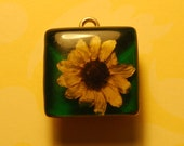 Vintage Daisy Sterling Charm or Pendant, in Resin