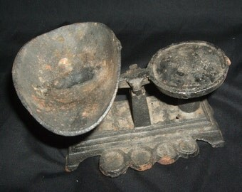 OLD CAST IRON DOLL-SIZED SCALE