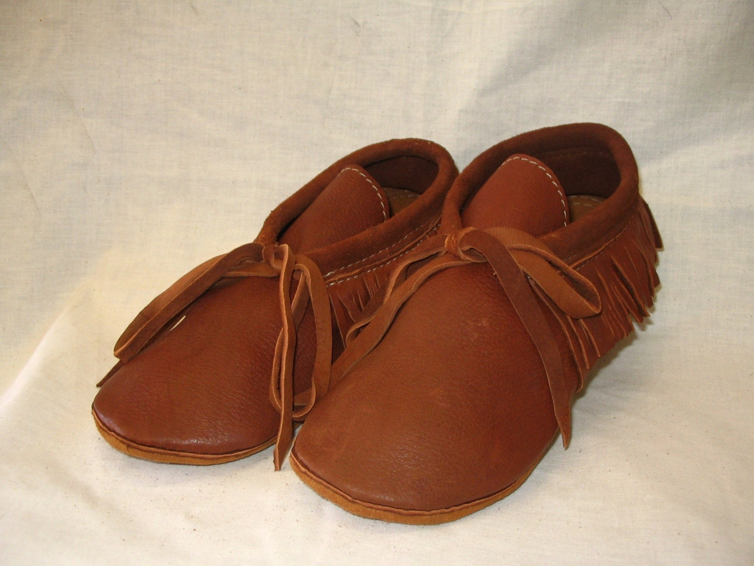 handmade indian moccasins leather indian style moccasins with fringe in rust deerskin 1798