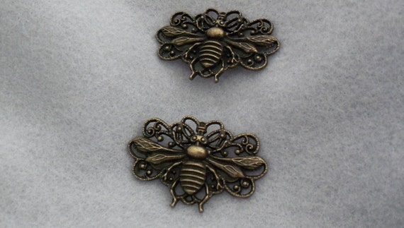 Bee Stamping Pair