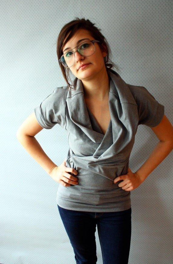 This Grey Cowl Tee / by Replicca / size Medium