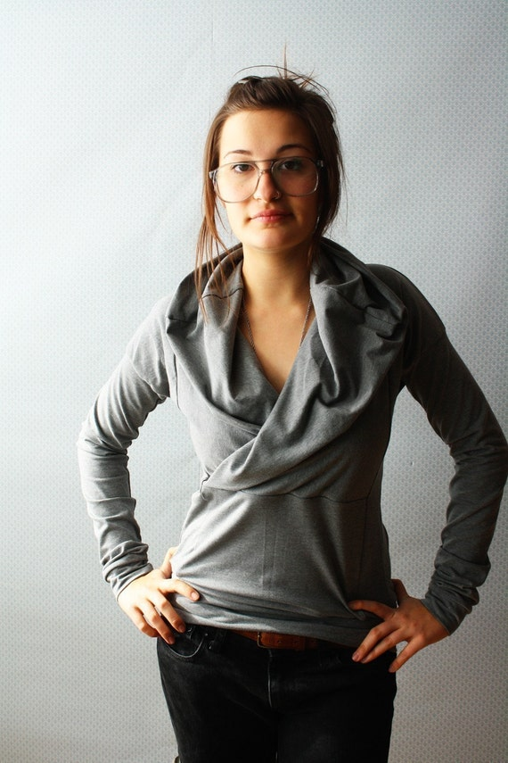 Grey Cowl Top / by Replicca / size Large