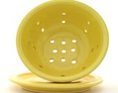 Small Colander with Plate Sunshine Yellow