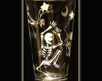 Day of the Dead Sandblasted Skull Art Skeleton Boogie Pint Beer Glass
