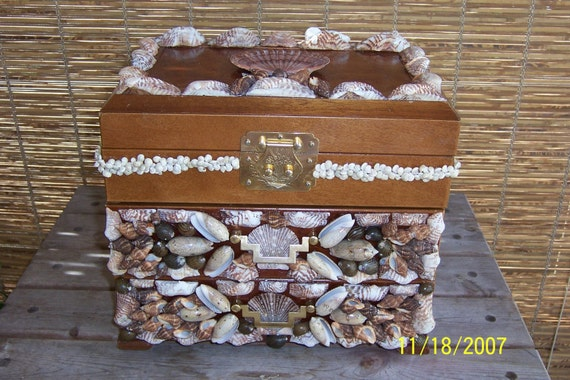Custom Jewelry Box , YOUR Jewelry Box CUSTOM Decorated with Sea Shells, COQUILLAGE - Custom Order