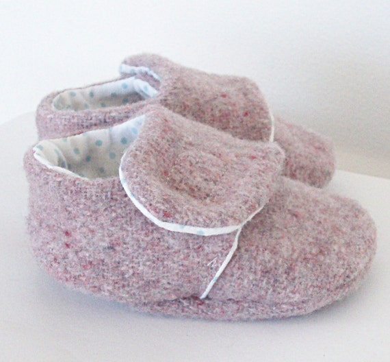 Cosy lavender merino baby shoes, Sizes 0 to 18 months