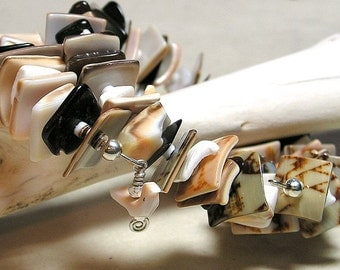 Sandpiper, Bracelet in Natural Shell on Memory Wire