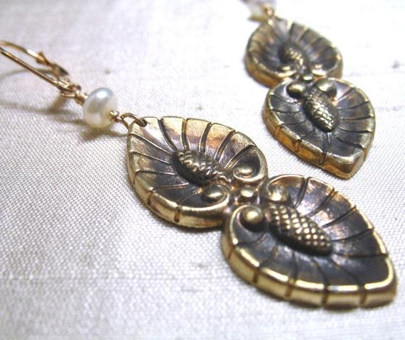 SALE-Vintage Leaf and Acorn Earrings