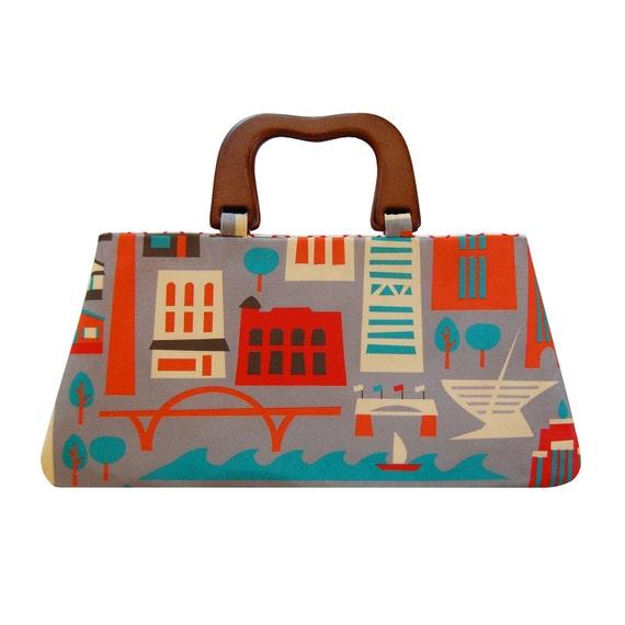 Fabulous Milwaukee wooden handled purse