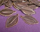 sale-24pc 24mm antique bronze leaf shape charm-502x2