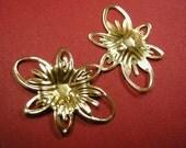12pc gold finish iron flower setting-3944