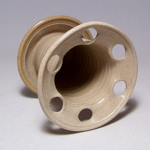 Toothbrush Holder in Sand and golden Tan Pottery (holds 6 toothbrushes)