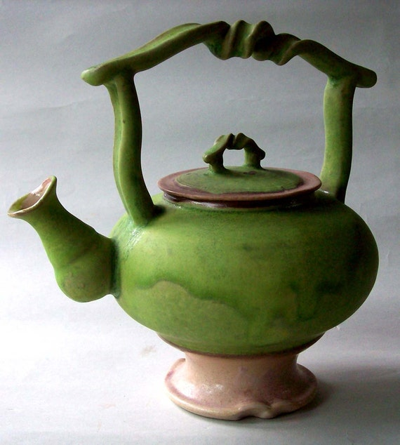 Curly Elegant/Funky Teapot Green