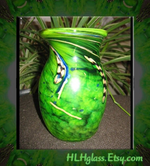 Hand Blown Vase EXQUISITE Contemporary Art Glass LOVELY Green Vessel Home Decor Made by Helen Lee Hoffman