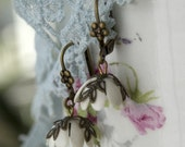 FREE SHIPPING Darling Buds of Winter Earrings