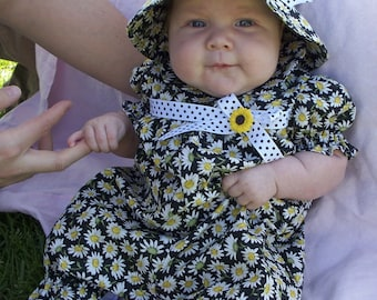 Upsa Daisy One-Piece ROMPER and HAT, Size 3 Months