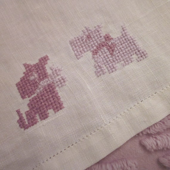 Vintage Guest Towel - Embroidered Linen