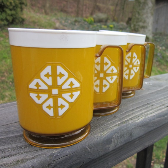 Vintage Coffee Mugs - Gold and White Plastic