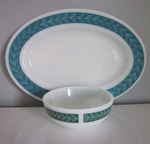 Two Vintage Platters and Matching Bowl - Anchor Hocking