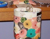 Thread Catcher, Scrap Caddy, Scrap Bag, Pin Cushion  - Fuji Afternoon - Parasols - With Rubberized Gripper Strip