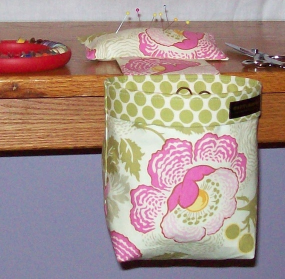Thread Catcher, Scrap Caddy, Scrap Bag, Pin Cushion for use if you sew, quilt, scrapbook, knit, crochet, embroider, or make jewelry - Amy Butler Midwest Modern Fresh Poppies - With New Rubberized Gripper Strip