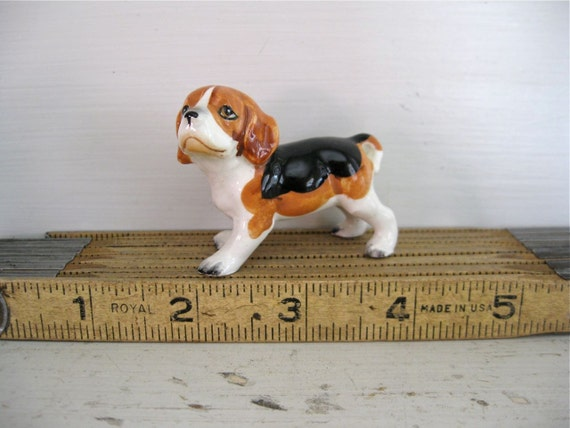 Miniature Beagle Dog - Puppy Figurine