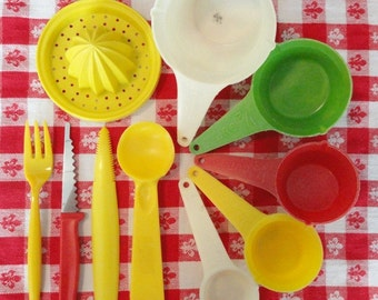 Fun 10 Pc Lot of Colorful Vintage Kitchen Utensils