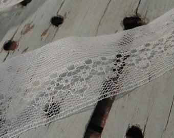 1 1/4 in. Flat White Vintage Lace Over 5 yds.