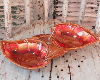 Double Leaf Maurice of California Vintage Pottery Nut Hors d'oeuvre Dish 1950s