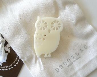 Owl Pin Animal brooch - acrylic Ivory