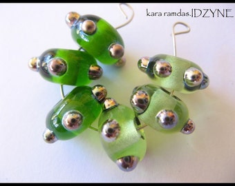 6 Spring Green with Metallic Dots Set of 6 Glass Lampwork Beads