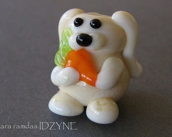 Ivory Bunny with Carrot Focal