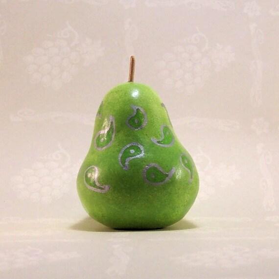 Fancy Green Perennial Pear