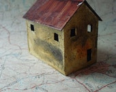 Miniature Abandoned House - sculpture - 2 1\/4 inches tall