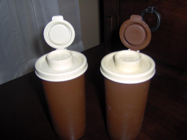 Vintage tupperware salt and pepper shakers shaker set of 2 for Vintage tupperware salt and pepper shakers