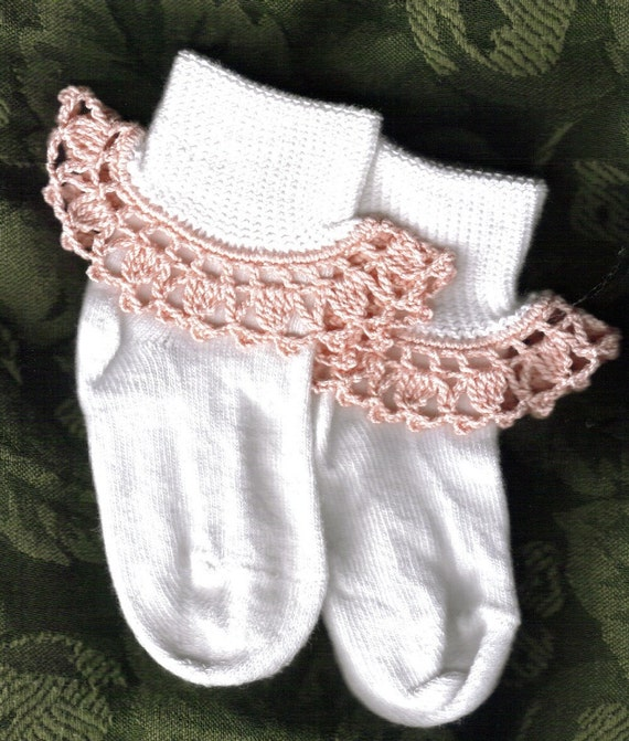 Girl Socks with crochet ruffles - white with peach ruffle