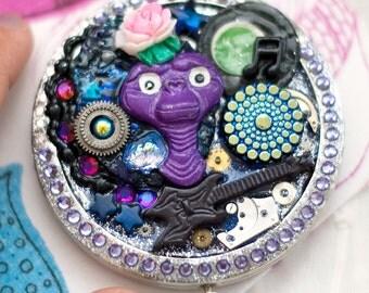 SALE rockin' e.t. compact mirror case. sparkly deco kitsch assemblage. quirky ET.