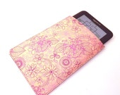 Kindle Case Leather. Doodle Flowers. Can be made to fit Nook and other similarly sized e-readers.