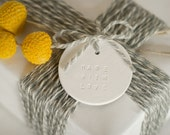MADE WITH LOVE : Large Round White Holiday Gift Tag (quantity 4)