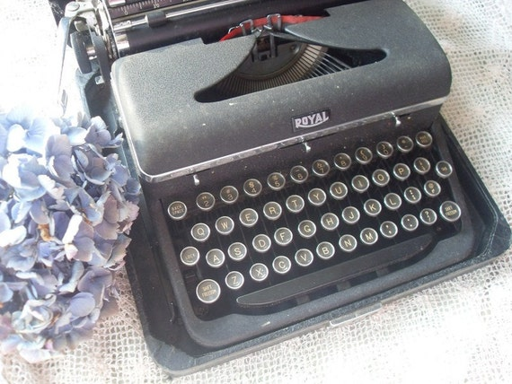 Royal Aristocrat Typewriter  48 Awesome Keys