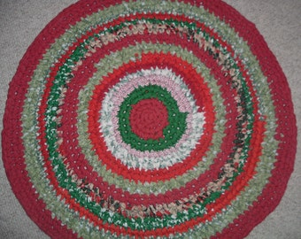"Christmas Rag Rug  29 1/2"" Crocheted Round  Red and Green"