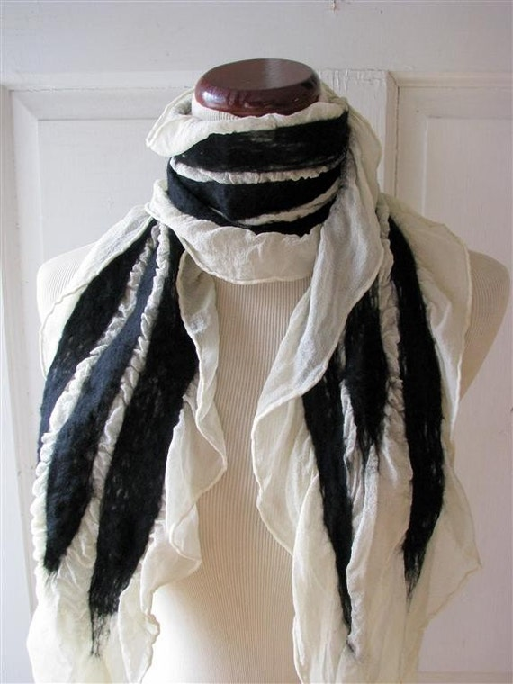 A scarf can be worn in so many ways – knotted in various ways around the neck, wrapped around the head, pulled, shawl-style, over the shoulders. A truly versatile accessory, the right scarf can add interest and appeal to any look.