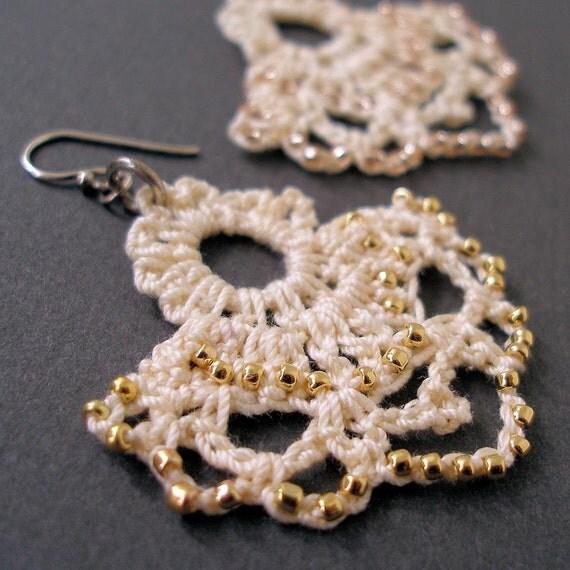 PDF Crochet Pattern -- Edwardian Beaded Lace Earrings