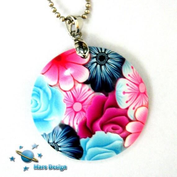 Bright  floral  pendant