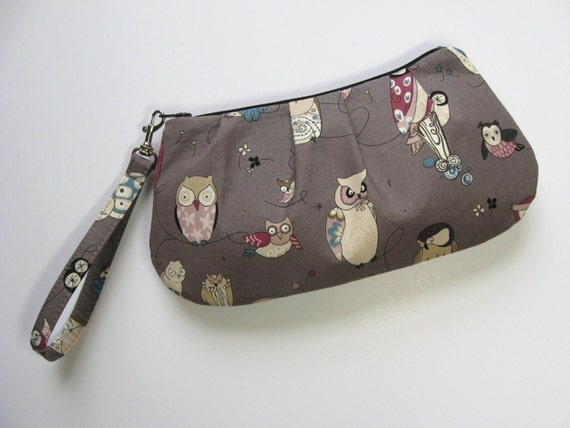 Sweet Pea Zip and Go Owl WRISTLET